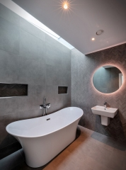 main-bathroom3